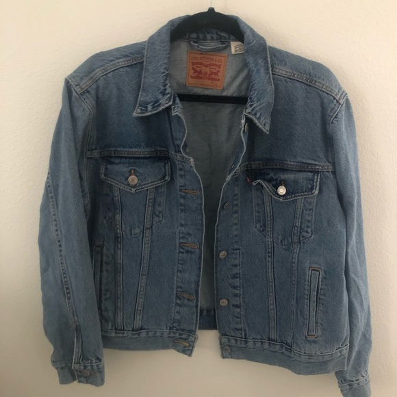 Levi's Jackets & Blazers - Levi's Medium Wash Denim Jacket